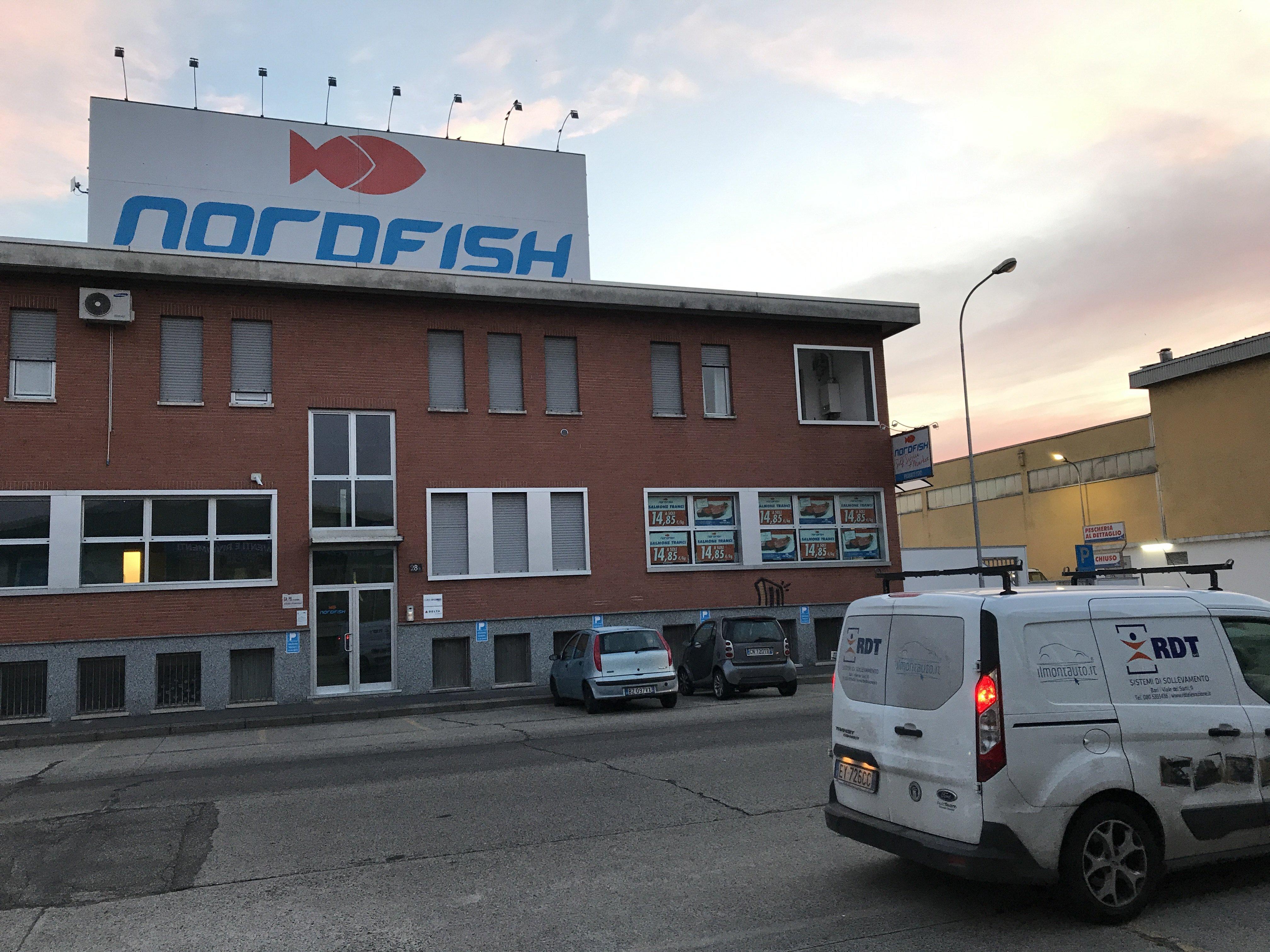 Nuova installazione Montacarichi in Acciaio Inox a Milano – 360°
