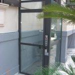 Elevatore per disabili con struttura in vetro